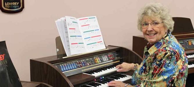 I Love My Lowrey Organ!
